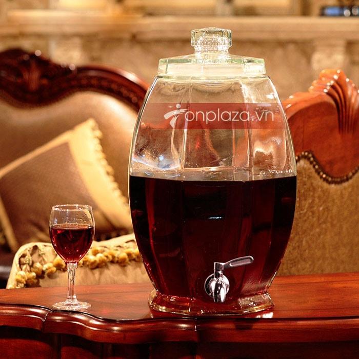 Bình thủy tinh tốt làm nên một bình rượu ngon.