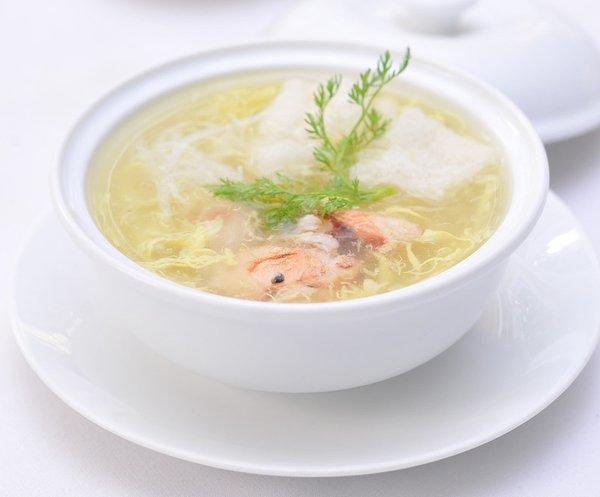 nấm linh chi nấu súp tăng cường sức khỏe rất hữu ích