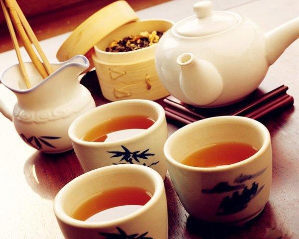 sâm ngọc linh pha trà thanh lọc cơ thể người cao tuổi