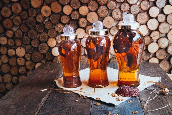 Rượu nấm linh chi đỏ thơm ngon bổ dưỡng
