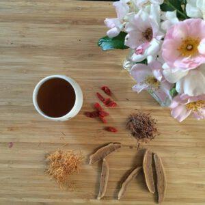 Uống nước nấm linh chi hàng ngày có tác dụng gì
