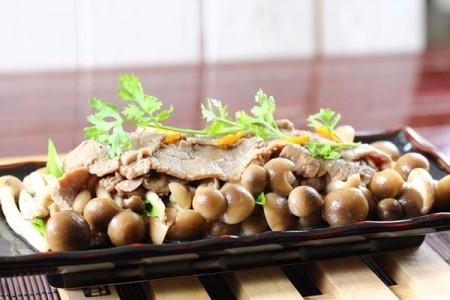 Nấm linh chi nâu xào thịt bò thơm ngon bổ dưỡng