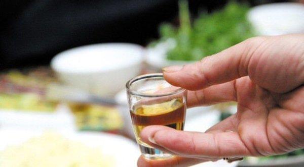 Mỗi ngày uống 1 chén rượu linh chi tốt cho sức khỏe