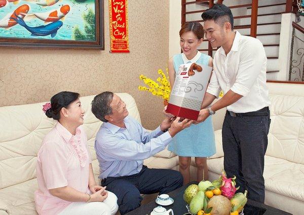 biếu tặng nấm linh chi cho bố mẹ