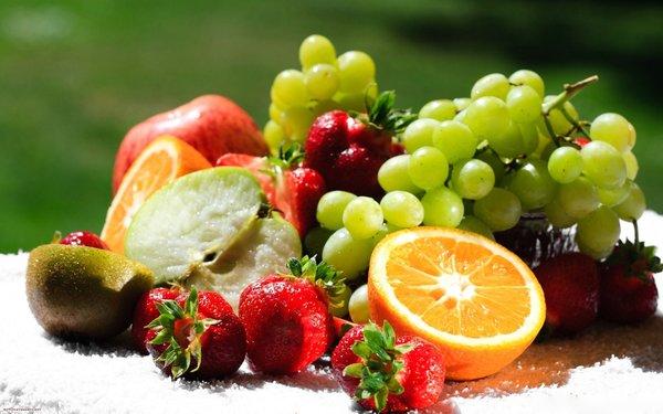Người ốm nên bổ sung hoa quả vào thực đơn